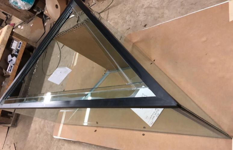 custom glass aquarium